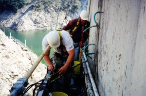 repairing Pacoima Dam with low exotherm epoxy